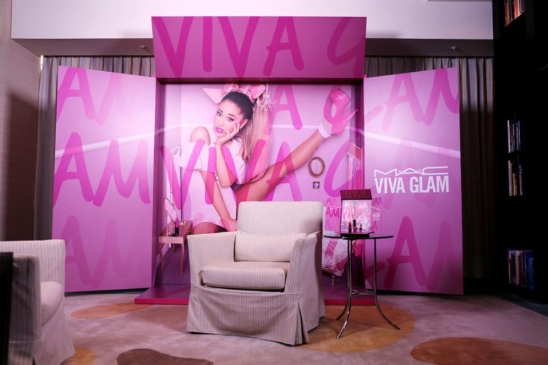 MAC - Viva Glam AG2